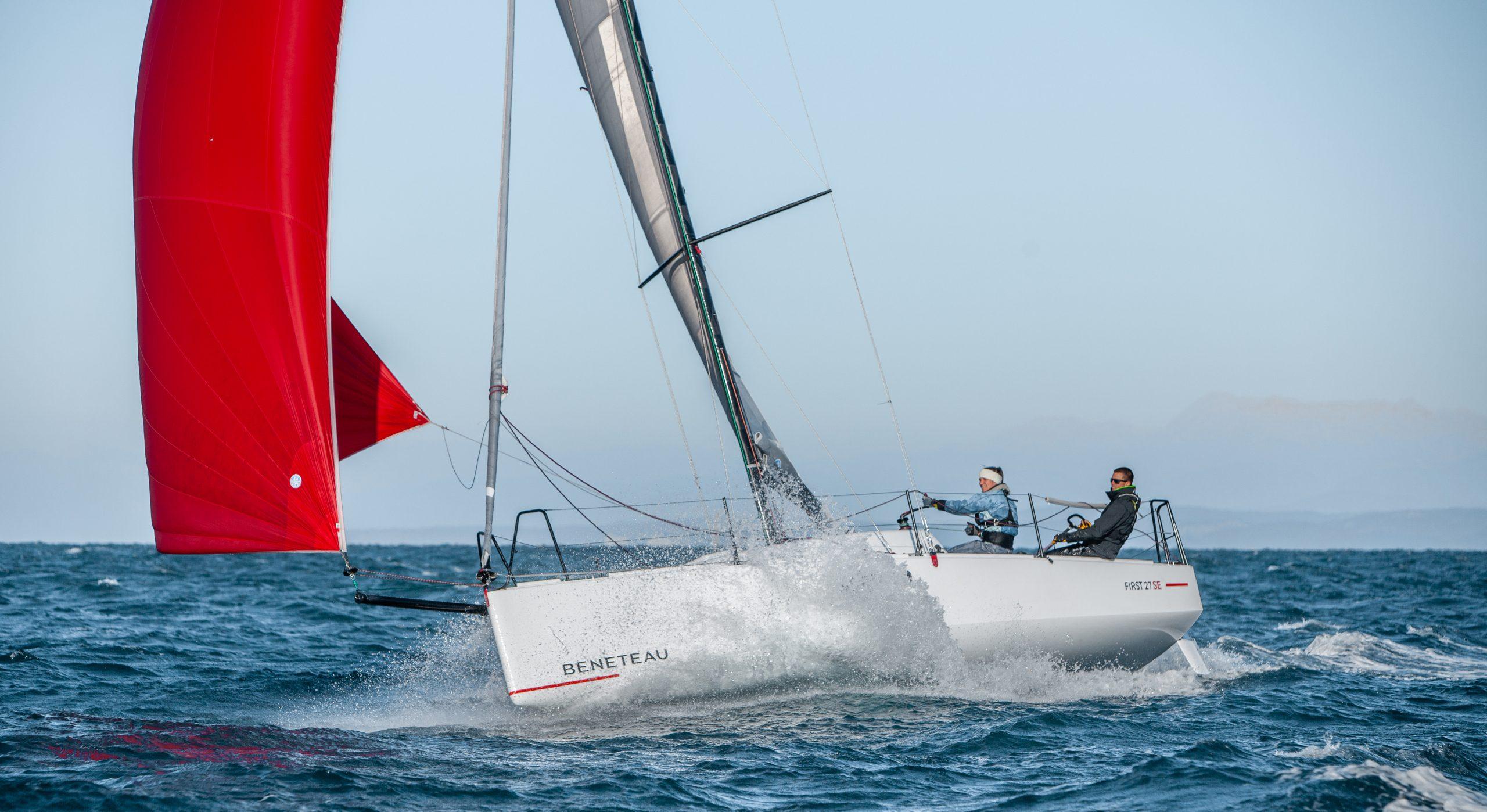 Beneteau-purjeveneiden maahantuoja povaa voimakasta kasvua urheilullisten retkiveneiden myyntiin. Yksittäiskappaleita ja First-malliston pienempiä veneitä on saatavissa vielä tulevaksi kesäksi