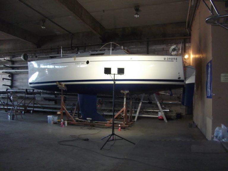 Pertti Koskisen mukaan on harvinaista herkkua saada veneeseen nopeasti ja vieläpä alkuperäisiä Beneteaun varaosia